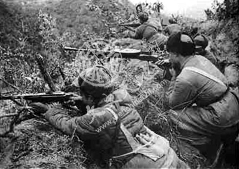 在上甘岭防守的一中队的中国人民志愿军士兵