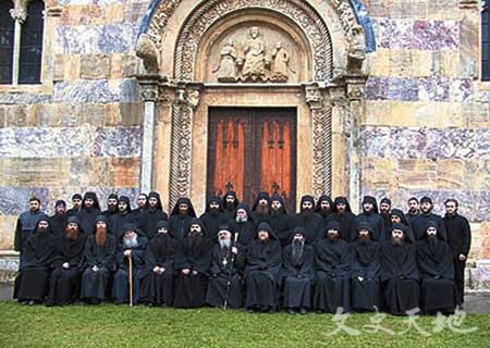 德卡尼修道院